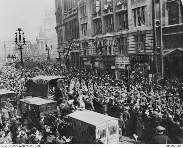 Whitehall in WW1 celebrating the bravery of Gallipoli, a precursor to the Kokoda Track campaign of WW2